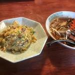 中華料理烈剛 - 料理写真:ピリ辛中華そば+小チャーハン 800円