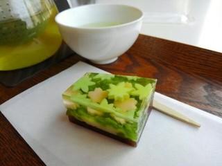 Cafe 椿 山種美術館内 - 和菓子「花春水」