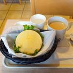 カフェ デンマルク - イングリッシュマフィンベーコンエッグモーニングセット430円