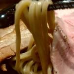京都 麺屋たけ井 阪急梅田店 - コシのある麺。麺だけ食べても充分美味しい!