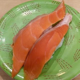 回転寿し トリトン - 料理写真:サーモン(206円)