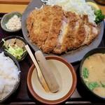 とんかつ しお田 - 「たっぷりロースかつ御膳」(2200円)