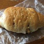 84181192 - 塩くるみパン