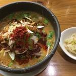 雲林坊 - 「一口汁あり坦々麺」と小皿