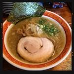 たつ屋 - アゴ煮干醤油ラーメン 730円