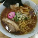 だるま亭 - 昔風醤油 麺をひっぱりだし