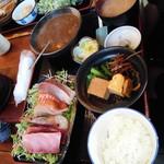 九絵 - 牡蠣カレー&刺身定食2500円