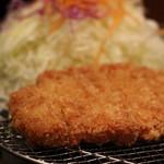 厚切職人 とんかつ堂 - 岩中ロースカツ小(1190円)