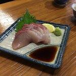 骨付鳥 蘭丸 - しなやかで芳醇なのが香川県の県魚 地ハマチの特徴(・ω・)