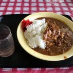 中野満点食堂 - 水曜サービスのビーフカレー大盛り450円