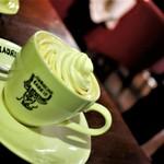 ラドリオ - ウィンナーコーヒー    480円  発祥の地