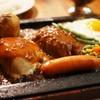 ゴールドラッシュ - 料理写真:モッツァレラチーズ&カレー 目玉焼き&チョリソ トッピング
