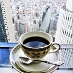 カフェ ド シエル - ミックスサンド  セット 1,404円(以下 税込)。セット は、単品で 1,080円 の サンドイッチ に、コーヒー or 紅茶 702円 が付きます。     2018.04.15