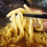 高松家 - 2018年4月 麺持ち上げ