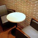 サンマルクカフェ - 2階のテーブル席