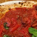 84222494 - タコの旨味が溶け込むトマトソースに、柔らかな蛸の煮込み、ジューシーなミニトマトやバジル、にんにくが合う!