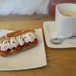 ラ・プレシューズ - ケーキ・セット:エクレール・フレーズ&カフェ・オレ
