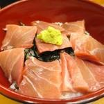立ち呑み しゅう - 料理写真:鉄火丼500円(+税)