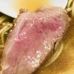 支那そば まるこう - 真鴨のコンフィはロゼ色で美味しそうです【料理】