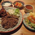 84233918 - ランチの鶏カラ揚げ ケイジャンマヨ、サラダ、スープ、デザート2種