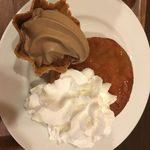 ワンドリップ - ふわもちパンケーキ。モカソフトとヨーグルトクリームつき。