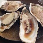 8PLACE The Kitchen&Bar - 生牡蠣