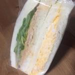ユッカのパン - 料理写真:玉子サンド 一味違ってハマりました
