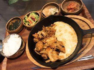 Hona Cafe 天神今泉 - チーズダッカルビ