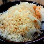 阿さま - 大根おろしを冷やしたぬき蕎麦に載せてそばつゆをかけます