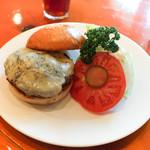 フランクリン・アベニュー - 料理写真:ブルーチーズバーガー