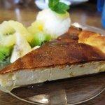 ハニーサックルローズ - パイナップルチーズケーキ