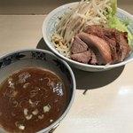 陸 - 料理写真:【2018.4.7】塩つけ麺豚増し¥1040