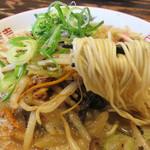 一骨入魂 - 麺はかなり細いタイプです。