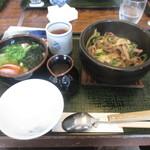 84259186 - 淡路島石焼牛丼うどんセット