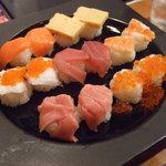 海鮮厨房 - 手まり寿司1,200円くらい。