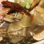 すごい煮干ラーメン凪 - 幅広い麺の「いったんもめん」