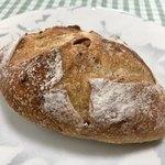 季節の酵母パン punch - くるみパン