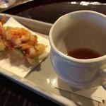 とよなか桜会 - 桜海老のかき揚げ 梅のソース