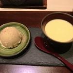西麻布けんしろう - 自家製プリン、ほうじ茶のアイス 桜の花びらの粉末