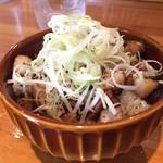 麺ファクトリー ジョーズ - チャーシュー丼(ランチタイム250円)