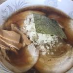 中華そば たまや - 料理写真:ラーメン普通盛、叉焼追加