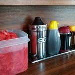 しぇからしか - 料理写真:紅生姜、胡麻、普通の餃子のたれ等