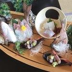 食べるお宿 浜の湯 - 料理写真:朝から舟盛り
