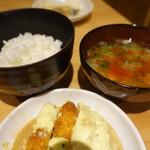 とりとり亭 - ご飯とみそ汁(300円)