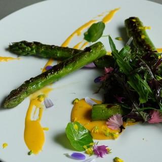 野菜本来の味を最大限に活かした「八百屋×フレンチ×ワイン」♪