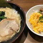 Ittouya - ラーメン+豚めしセット(870円)