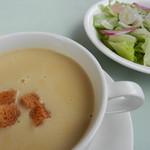 84289796 - スープとサラダ