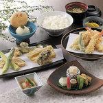 銀座 天國 - 2階 天ぷら盛合わせ御膳「桂」(かつら) 5,400円(税込)