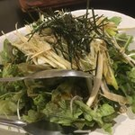 鉄板 塊ステーキ 楽笑 - じゃこねぎサラダ