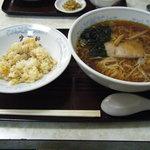 生駒軒 - ラーメン小チャーハン